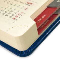 kalendarz-ksiazkowy-granatowy-wyciete-registry